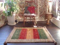 画像3: 手織りペルシャギャッベE89アクセントラグサイズ113×80ハンドメイドラグ (3)