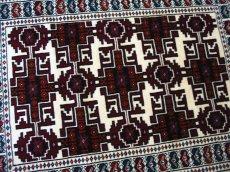画像4: 新品 トルクメン ペルシャ 絨毯 アクセント サイズ 120 × 78 205 トライバル ラグ 天然 ウール 敷物 マット カーペット 赤 クリーム 白 (4)
