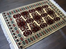 画像1: 新品 トルクメン ペルシャ 絨毯 アクセント サイズ 120 × 78 205 トライバル ラグ 天然 ウール 敷物 マット カーペット 赤 クリーム 白 (1)