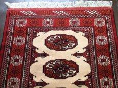 画像3: 新品 トルクメン ペルシャ 絨毯 アクセント サイズ 126 x 82 cm 196 トライバル ラグ 天然 ウール 敷物 マット カーペット エンジ  赤 クリーム (3)