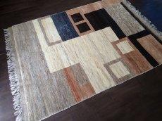 画像2: ペルシャ ギャッベ リビング サイズ 217 x 165 cm F175 ハンドメイド 天然 ウール 手織り ラグ マット 絨毯 カーペット モザイク パターン マルチ カラー クリーム 茶 青 (2)