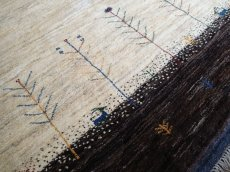 画像4: ペルシャ ギャッベ リビング サイズ 210 x 160 cm F163 ハンドメイド ギャベ 天然 ウール 手織り ラグ マット 絨毯 カーペット クリーム 茶 灰 (4)