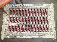 画像1: 新品 トルクメン ペルシャ 絨毯 1.2m アクセント サイズ 121 x 88 cm 32 トライバル ラグ 天然 ウール 敷物 マット カーペット 生成り 白 紺 赤 オレンジ 黄 青 (1)