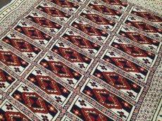 画像5: 新品 トルクメン ペルシャ 絨毯 1.2m アクセント サイズ 121 x 88 cm 32 トライバル ラグ 天然 ウール 敷物 マット カーペット 生成り 白 紺 赤 オレンジ 黄 青 (5)