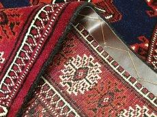 画像7: 新品 トルクメン ペルシャ 絨毯 1.2m アクセント サイズ 123 x 78 cm 193 トライバル ラグ 天然 ウール 敷物 マット カーペット ワインレッド 紺 赤 民族 柄 (7)