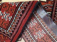 画像5: 新品 トルクメン ペルシャ 絨毯 1.2m アクセント サイズ 125 x 81 cm 204 トライバル ラグ 天然 ウール 敷物 マット カーペット エンジ 赤 茶 クリーム 民族 柄 (5)