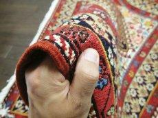 画像9: ペルシャ キリム グーチャン シルク ウール 1m 玄関 マット サイズ 100 x 82 cm 128 スマック 手織り トライバル ラグ 天然 ウール マット 絨毯 カーペット カラフル 動物 柄 (9)