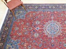 画像2: 美品 ペルシャ 絨毯 サルーク 3.4m リビング ダイニング 大判 サイズ 335 x 238 cm n240 ウール 手織り トライバル ラグ ハンドメイド マット カーペット 水色 赤 紺 ヴィンテージ (2)