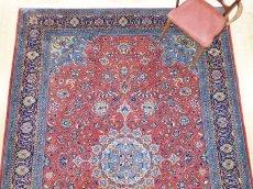 画像7: 美品 ペルシャ 絨毯 サルーク 3.4m リビング ダイニング 大判 サイズ 335 x 238 cm n240 ウール 手織り トライバル ラグ ハンドメイド マット カーペット 水色 赤 紺 ヴィンテージ (7)