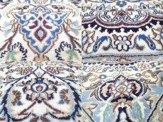 画像18: 美品 ペルシャ 絨毯 ナイン 9la 3m リビング ダイニング 大判 サイズ 300 x 192 cm n223 ウール 手織り ラグ ハンドメイド カーペット 敷物 クラシック スタイル クリーム アイボリー 生成り 白 青 ヴィンテージ (18)
