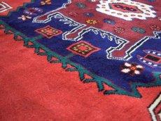 画像12: 美品 ペルシャ 絨毯 シールジャーン 縦2.1m 3.3㎡ 3帖 リビング ダイニング 2〜3人掛けソファ サイズ 210 x 158 cm E103 天然 ウール 手織り ハンドメイド トライバル ラグ 部族絨毯 マット カーペット 赤 民族柄 ギャッベ(ギャベ)をお探しの方にもお勧めです (12)
