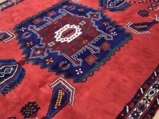 画像10: 美品 ペルシャ 絨毯 シールジャーン 縦2.1m 3.3㎡ 3帖 リビング ダイニング 2〜3人掛けソファ サイズ 210 x 158 cm E103 天然 ウール 手織り ハンドメイド トライバル ラグ 部族絨毯 マット カーペット 赤 民族柄 ギャッベ(ギャベ)をお探しの方にもお勧めです (10)
