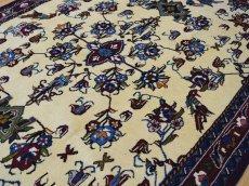 画像10: 新品 ペルシャ 絨毯 シールジャーン 縦1.9m 2.7㎡ 2〜3帖 リビング ダイニング 2人掛けソファ サイズ 190 x 138 cm E116 天然 ウール 手織り ハンドメイド トライバル ラグ 部族絨毯 マット カーペット 遊牧民のモチーフ 動物 鹿 模様 民族柄 ギャッベ(ギャベ)をお探しの方にもお勧めです (10)
