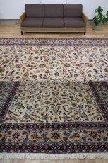 画像8: 美品 ペルシャ 絨毯 カシャーン 縦3.7m 横2.5m 9㎡ 6帖をややオーバー リビング ダイニング 3人掛けソファ コーナーソファ 大判 サイズ 368 x 245 cm No.352 天然 コルクウール 手織り トライバル ラグ 敷物 マット カーペット 総柄 ヴィンテージ ビンテージ 大きなお部屋に 中古品に抵抗のある方にもおすすめです。 (8)