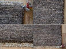 画像19: 新品 ペルシャ ギャッベ 縦1.2m アクセント ラグ サイズ 113 x 79 cm No.481 超肉厚 天然 草木染 ウール 手織り ハンドメイド ギャベ マット カーペット  シンプル プレーン グレー (19)