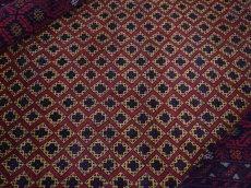 画像1: 美品 ペルシャ 部族絨毯 バルーチ 縦1.7m 横1.2m 1.9㎡ 〜2帖 リビング ダイニング 2〜3人掛けソファ センターテーブル サイズ 165 x 117 cm No.H18 天然 ウール 手織り トライバル ラグ 敷物 マット カーペット 幾何学模様 ヴィンテージ ビンテージ 中古品に抵抗のある方にもおすすめです。a-H18-165117h003 (1)