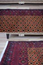 画像5: 美品 ペルシャ 部族絨毯 バルーチ 縦1.7m 横1.2m 1.9㎡ 〜2帖 リビング ダイニング 2〜3人掛けソファ センターテーブル サイズ 165 x 117 cm No.H18 天然 ウール 手織り トライバル ラグ 敷物 マット カーペット 幾何学模様 ヴィンテージ ビンテージ 中古品に抵抗のある方にもおすすめです。a-H18-165117h003 (5)