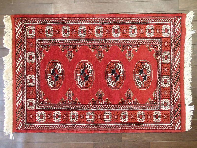 画像1: 新品 トルクメン ペルシャ 絨毯 アクセント サイズ 122 × 84 cm 209 トライバル ラグ 天然 ウール 敷物 マット カーペット 赤 エンジ 白 (1)