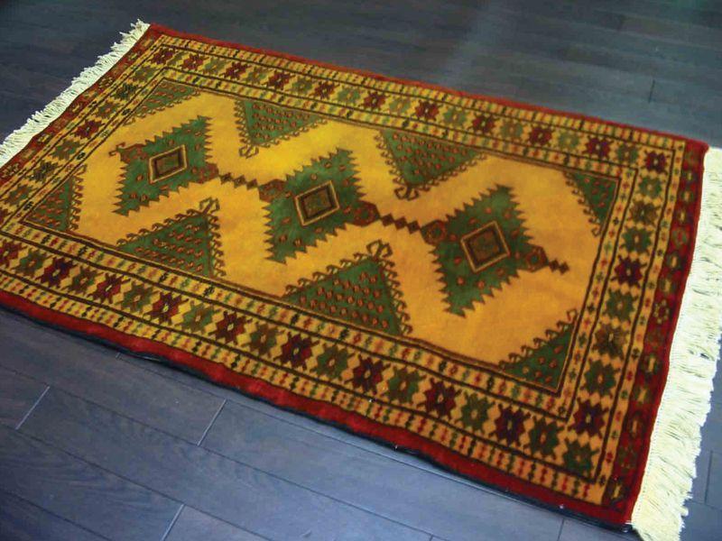 画像1: 新品 トルクメン ペルシャ 絨毯 アクセント サイズ 119 × 74 cm E38 トライバル ラグ 天然 ウール 敷物 マット カーペット 黄 緑 赤 (1)